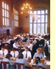 The Australian Schoolsystem: Eating lunch together in the dining hall